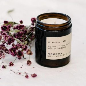 etikette candle. penneshaw native wildflowers and honey